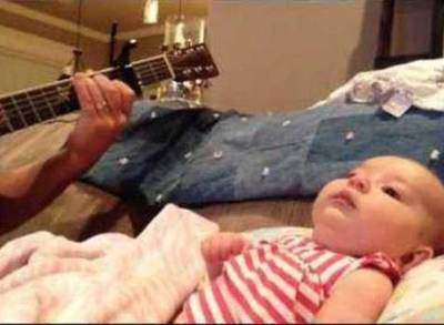 News video: Ukulele Dad Plays First Date Tribute to Baby Lucy